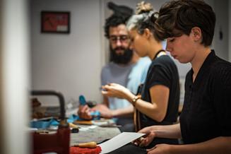 Atelier Toolbox cours du soir de maroquinerie cours en journée de maroquinerie