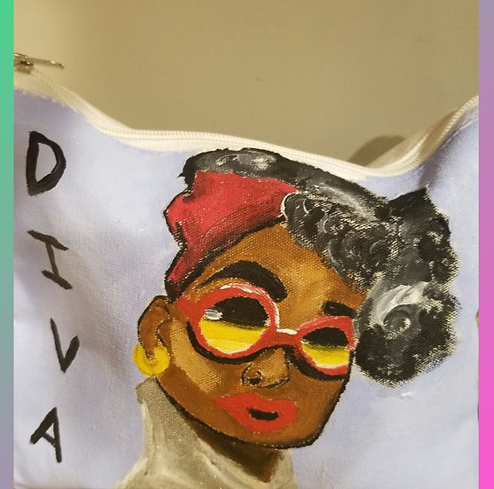 DIVA  pouch