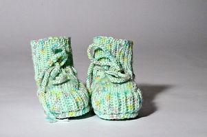 Babyfinkli-grün-gepunktet.jpg