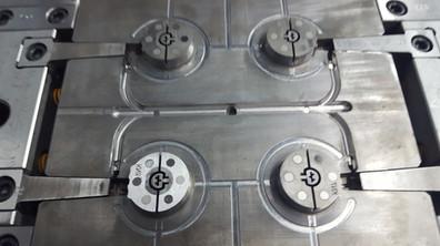 2 plate mold slider jump gate