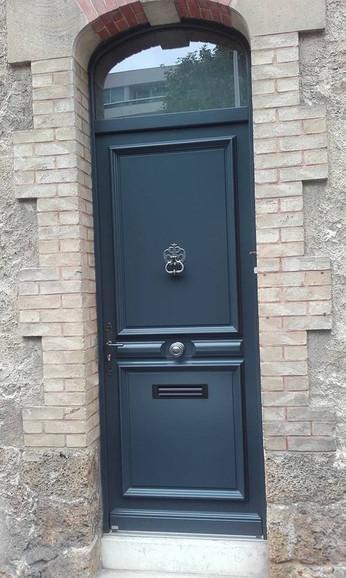 Porte d'entrée bois Bel'm, modèle Avoriaz.