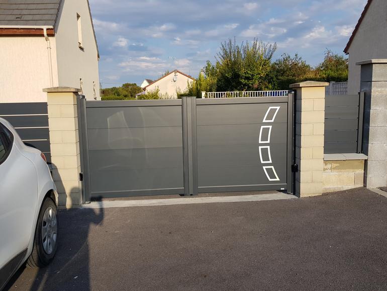 Portail et clôture aluminium Cadiou.