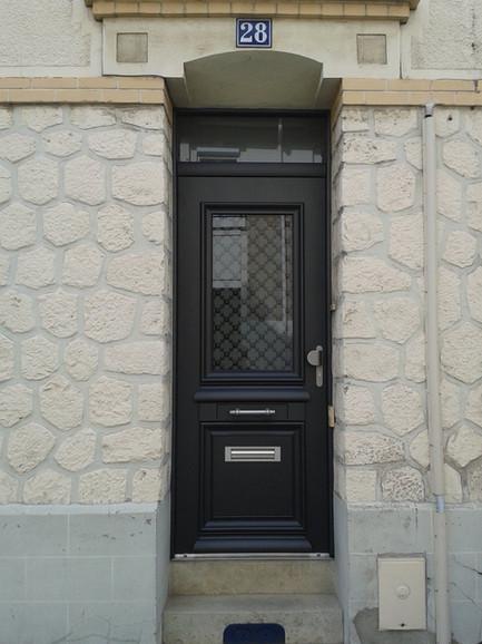 Porte d'entrée aluminium Bel'm, modèle Athéna.