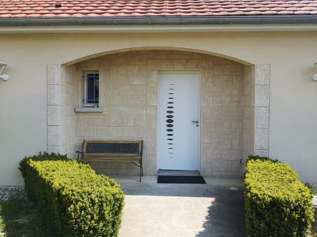 Porte d'entrée aluminium Bel'm, modèle Abysse.
