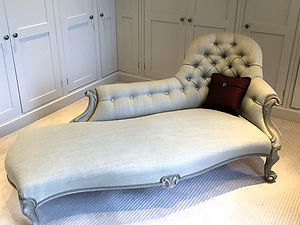 upholstery-chaise-longue-finshing-touche