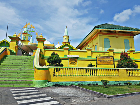 Masjid Raya Sultan Riau - The Mosque built on Egg Whites