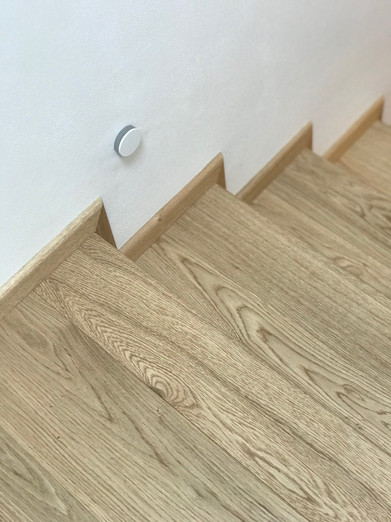 dubové schody.jpeg