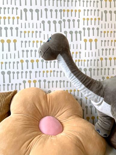 panáčková tapeta s dinosaurem.jpg