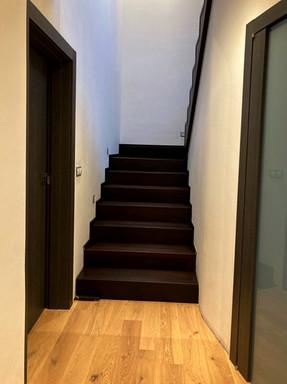 bukové schody kouřové.jpg