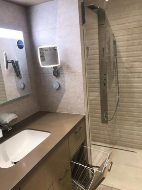 písečná koupelna s výklopným košem na pr