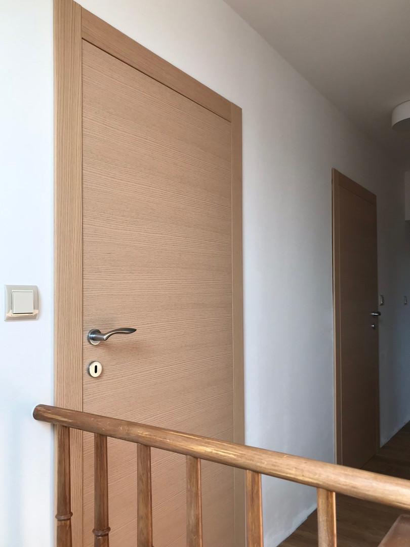 světlý dub a dveře do klukovského pokoje