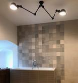 retro koupelna s pavoučím osvětlením.jpg