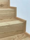 dubové schody s bočním olištováním.jpeg