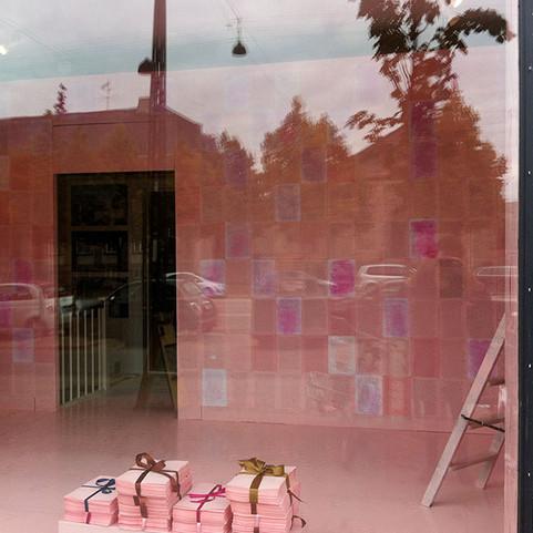 GERD LAUGESEN: På lyserødt papir