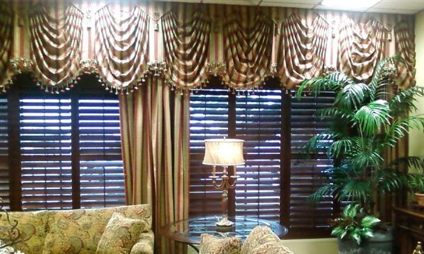 Catering Lobby Plantation Shutters Swag Valances Pinch Pleat Draperies