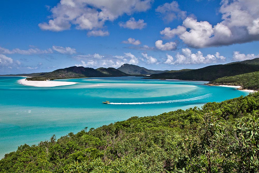 Speed boat, Whitehaven Beach, Whitsundays, Queensland, Australia