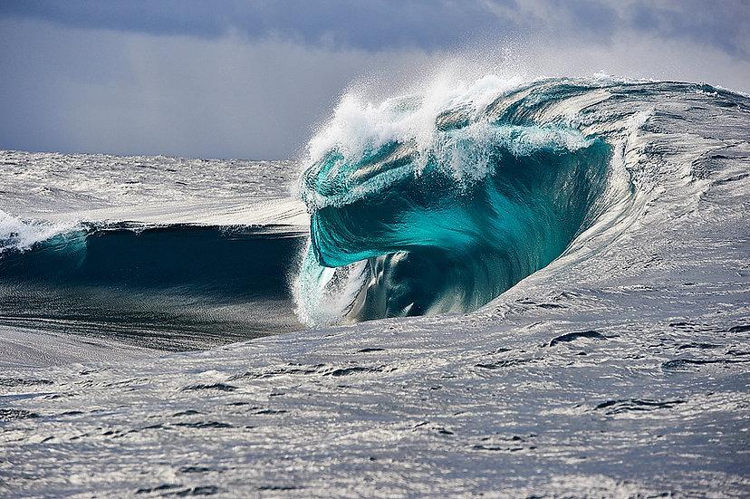Cyclops, Large Swell Esperance Western Australia