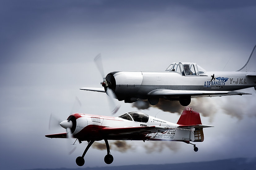 Aerobatic aeroplanes.