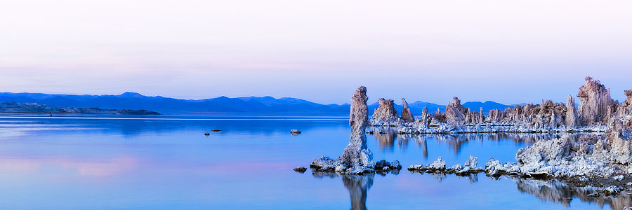 Mono Lake Northern California, USA