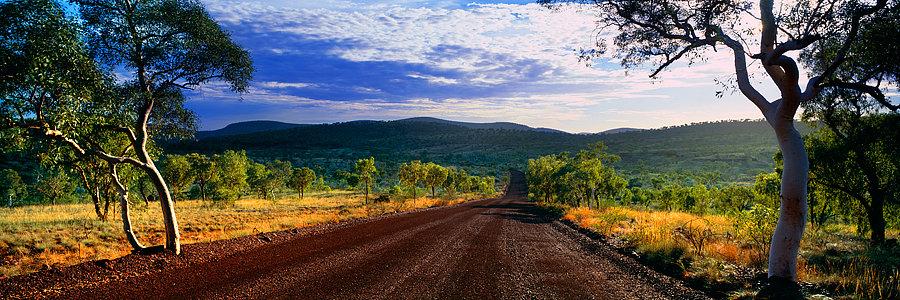 Dirt road, Karijini National Park, Pilbara, Western Australia