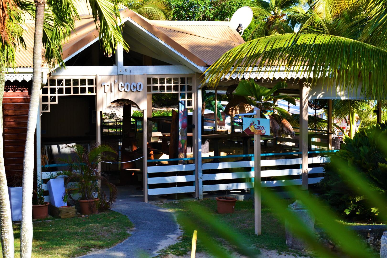 30-Restaurant.jpg