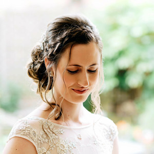 DORA's WEDDING