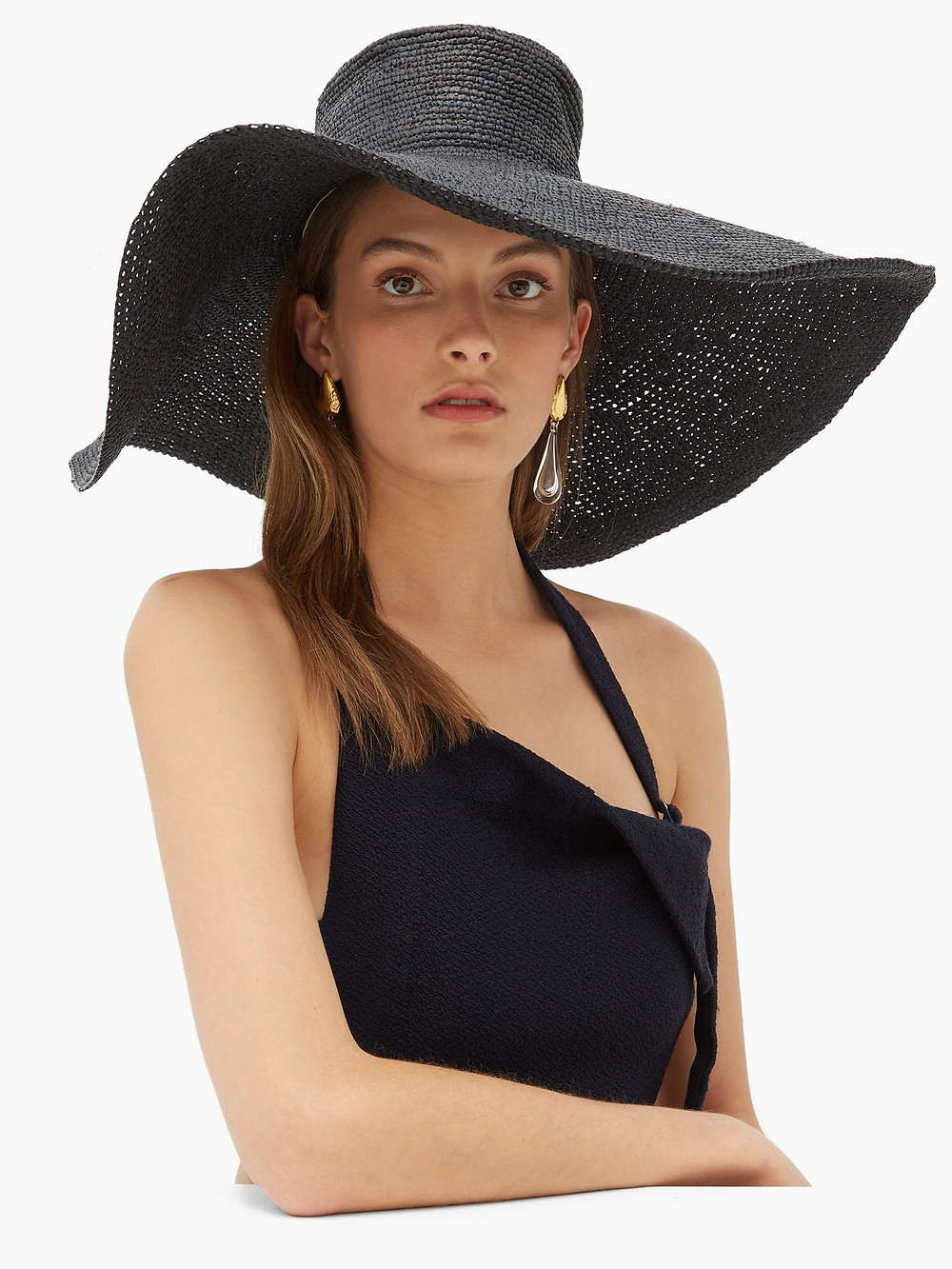 Black wide brimmed straw hat