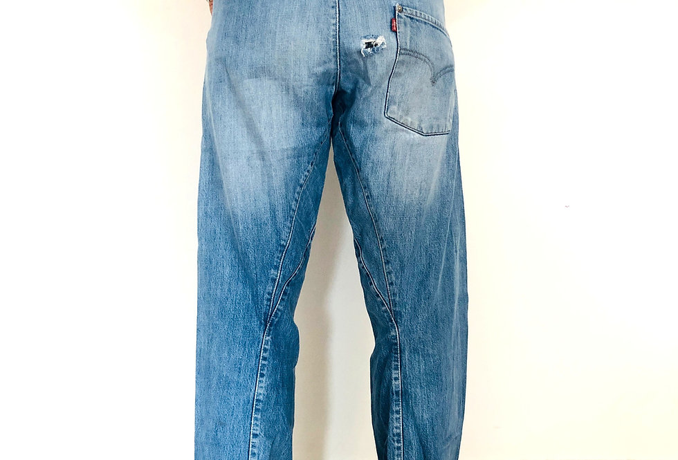 jeans-engineered-denim-levis-vintage