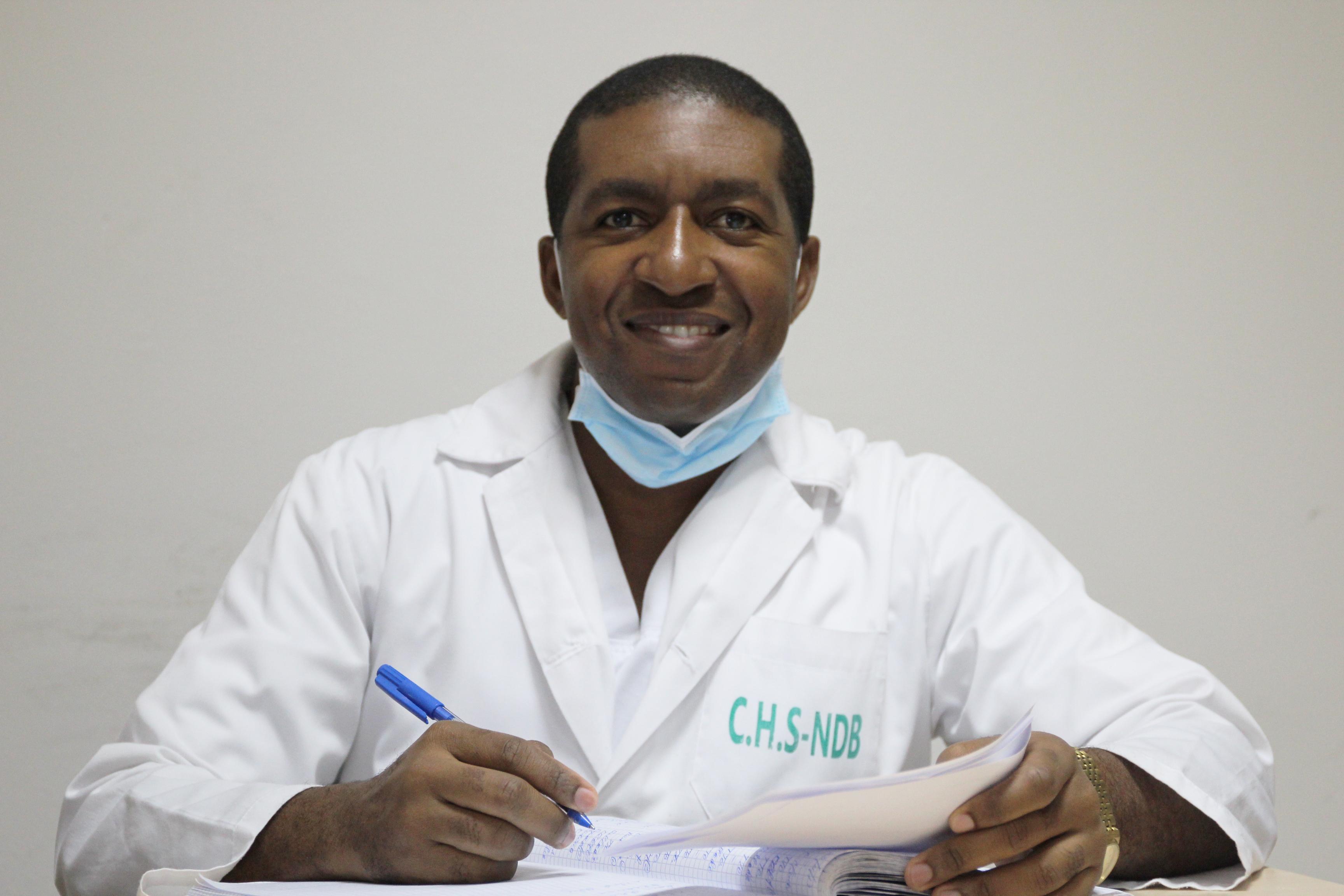 أخصائي جراحة الوجه والفكين
