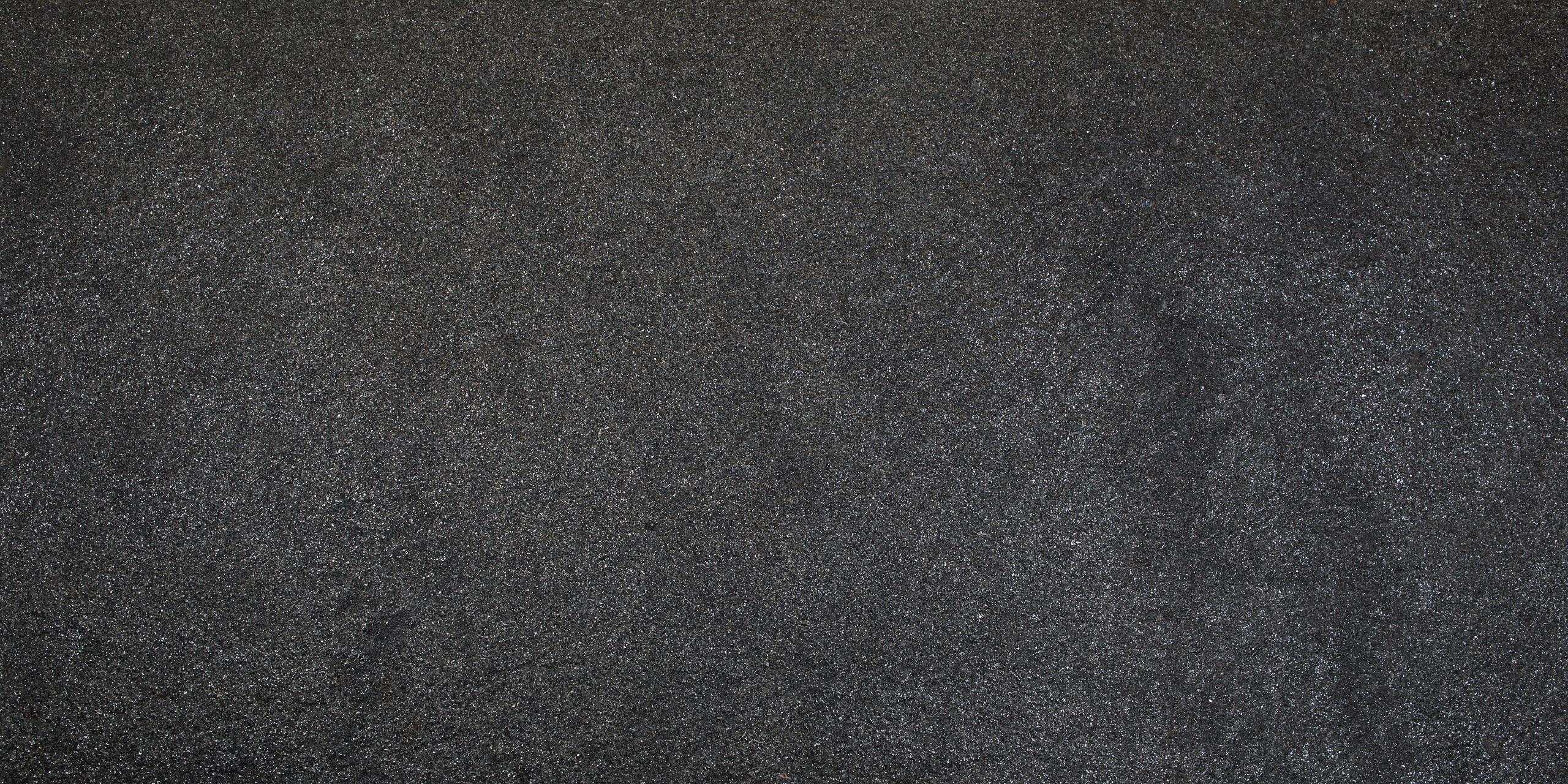 Black-Shimmer