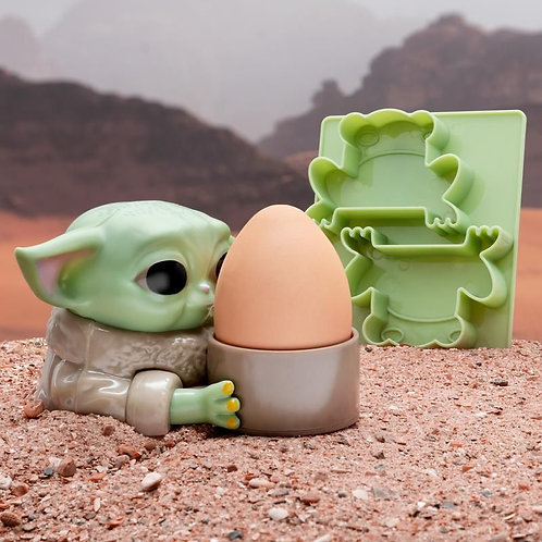 The Mandalorian Child Egg Cup & Toast Cutter
