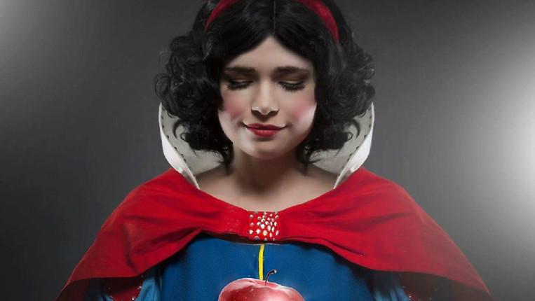 Snow White Apple.jpg