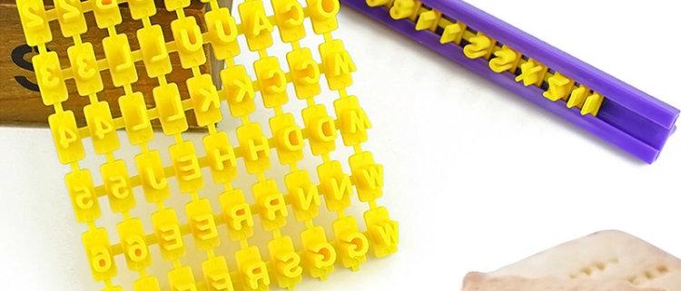 חותמת לעוגיות - מספרים אותיות באנגלית