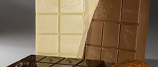 """בלוק שוקולד - לבן \ חלב \ מריר - 2.5 ק""""ג"""