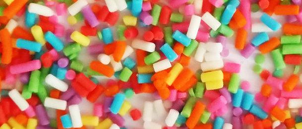 סוכריות צבעוניות ארוכות