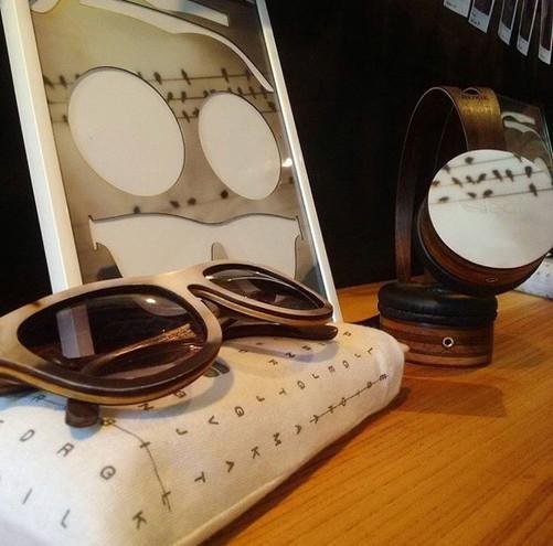 óculos e headphones de madeira criados em parceria com a Leaf | depois das seis.