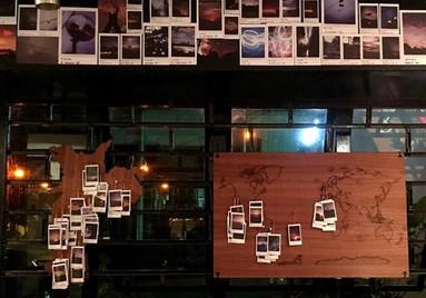 mapas com polaroids por região - exposição Leaf | depois das seis.