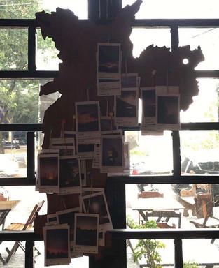 mapa de são paulo com as polaroids do projeto por região - exposição Leaf | depois das seis.