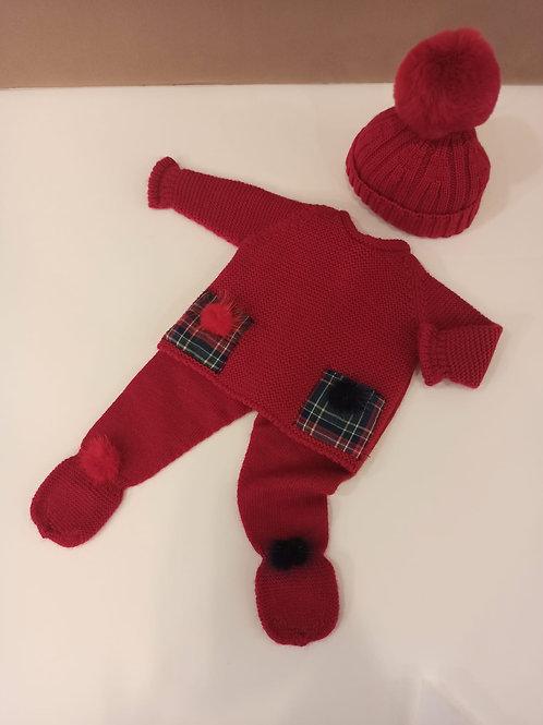 Conjunto de punto de lana merino color rojo con detalles marino u pompones