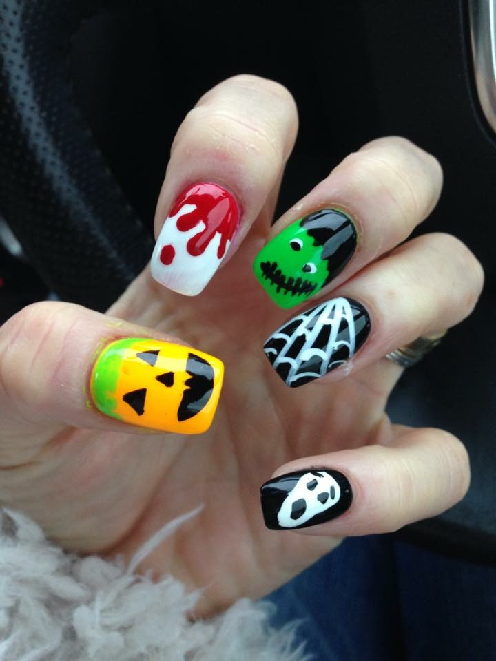 Halloween painted nails