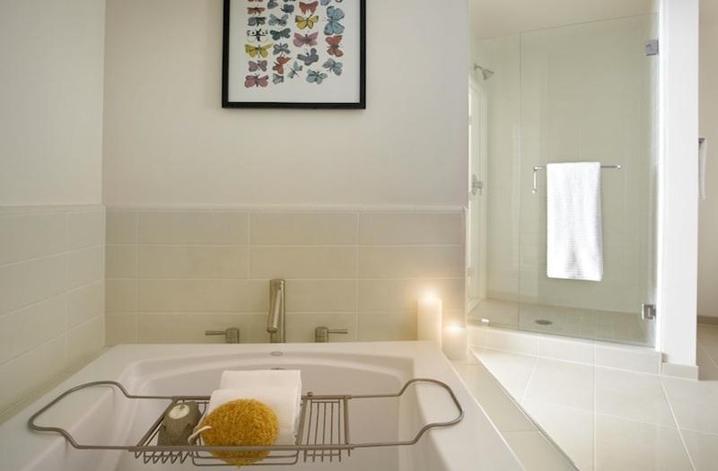The Avenue bathtub