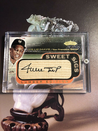 2001 Fleer Showcase Sweet Sigs Lumber Edition Willie Mays Auto Signed on Bat