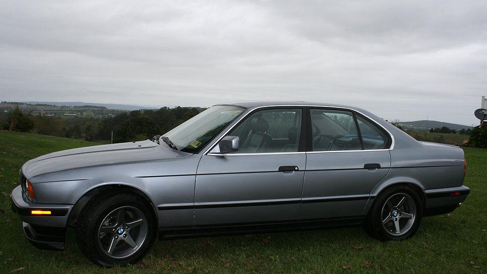 BMW 1990 525i Sedan
