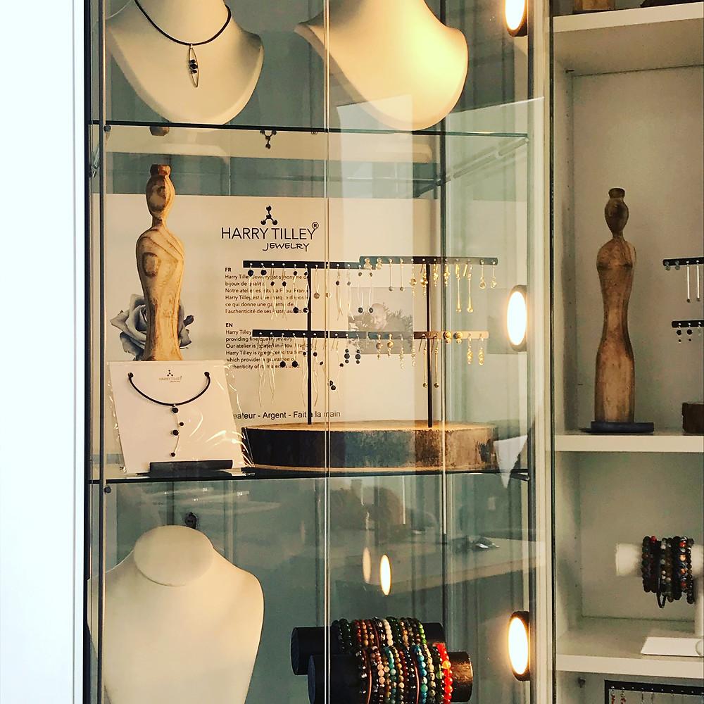 Harry Tilley juwelen brengt zijn juwelen in mooie vitrines naar tal van evenementen