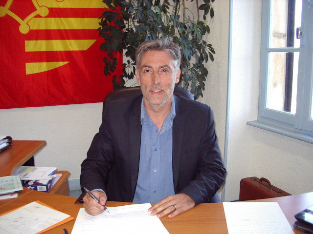 Le maire de fitou Alexis Armangau
