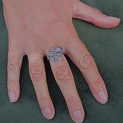 Zilveren Keltiche ring met labradoriet steen