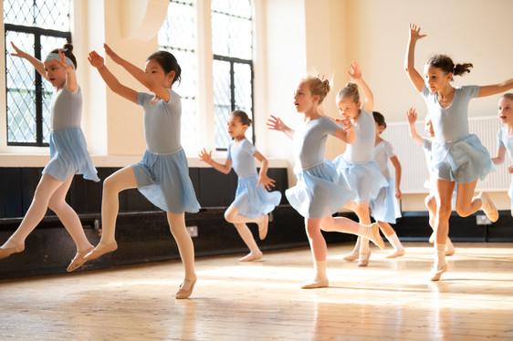 PRIMARY BALLET CLASS /  BALLET SCHOOL LONDON