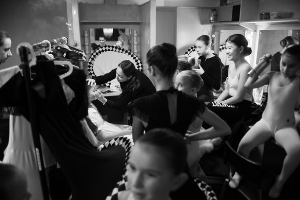 BACKSTAGE / ALICE'S ADVENTURES IN WONDERLAND / NATALIA KREMEN BALLET SCHOOL