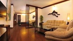 Hotel Suite Room