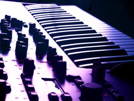 Playing a keyboard VS playing a piano